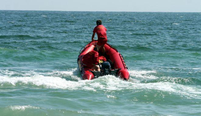 Foto: S-au sistat căutările turistului dispărut în apele mării, la Eforie. Un alt înecat, în comă!