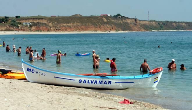 Foto: VIDEO. TRAGEDIE PE LITORAL. Un bărbat a murit înecat, pe plaja Modern. Alte patru persoane, la un pas de a-şi pierde viaţa