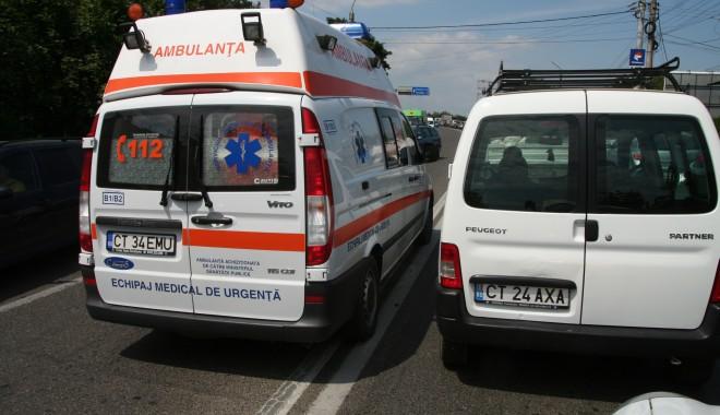 Foto: Un motociclist beat a intrat într-o maşină, la ieşire Mamaia