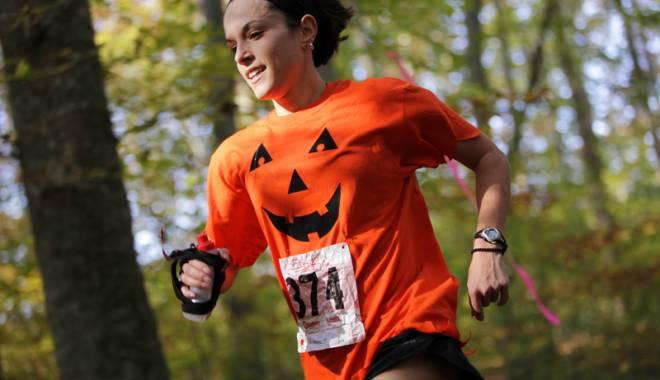 Foto: Sâmbătă, alergăm la primul cros costumat din Constanţa!