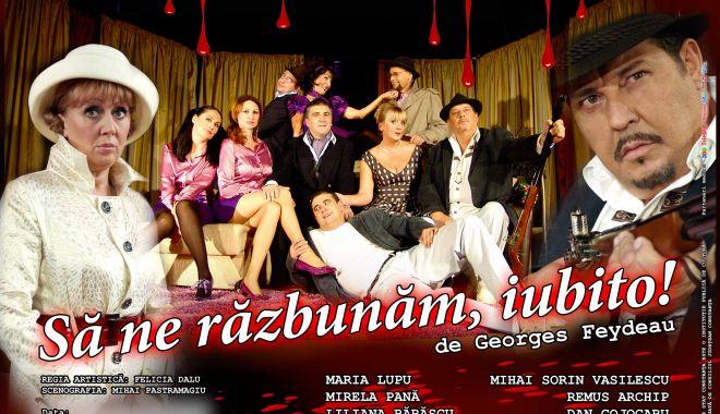 """Foto: """"Să ne răzbunăm, iubito!"""" O comedie spumoasă pe scena Teatrului de Stat Constanța"""