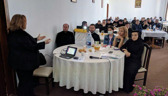 """Foto: Biserica îndeamnă la donare de sânge. """"Este o datorie creştinească"""""""