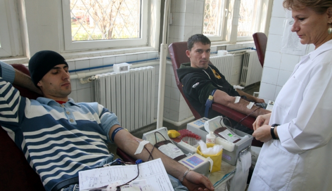 Foto: Campanie umanitară, la Mangalia. Donează sânge şi salvează o viaţă!