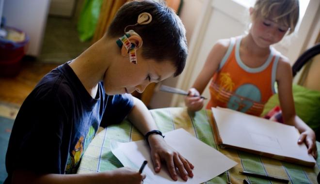 Foto: Şanse egale pentru copiii cu dizabilităţi din Techirghiol