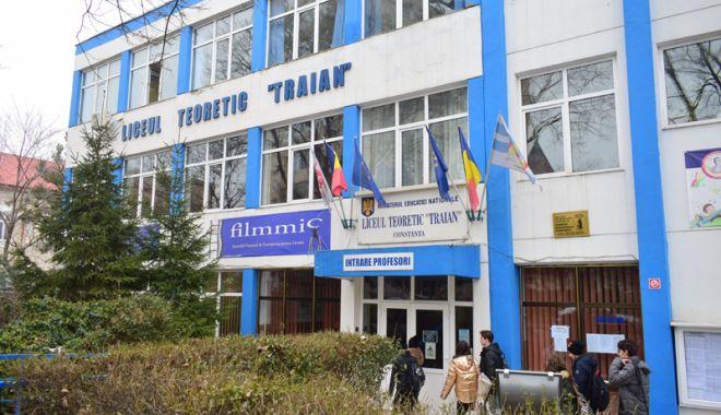 """Foto: Săptămâna Educaţiei Globale, la Liceul Teoretic """"Traian"""" Constanţa"""