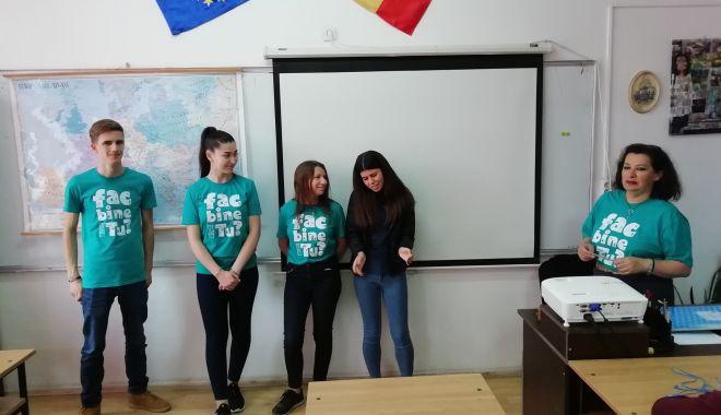 Foto: Săptămâna Națională a Voluntariatului, sărbătorită de elevii din Medgidia