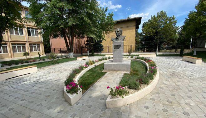 """Sărbătoare la Şcoala """"Lucian Grigorescu"""" din Medgidia - sarbatoare-1612289773.jpg"""