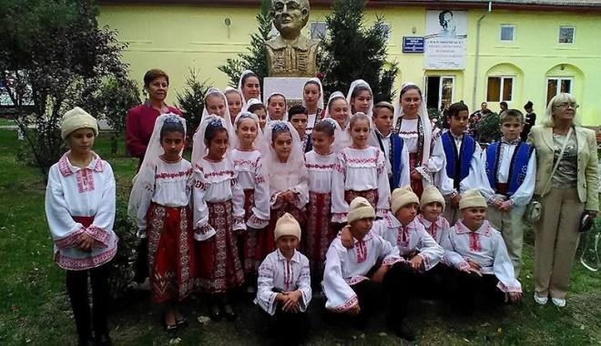 Foto: Sărbătoarea muzicii tradiţionale, la Topalu