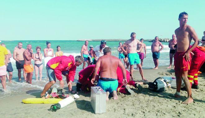 Şase copii au pierit în valuri, pe litoralul românesc, vara aceasta