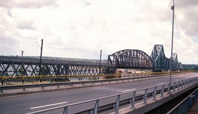 S-a semnat contractul pentru reabilitarea podului peste braţul Borcea - sasemnatcontractul-1617902748.jpg