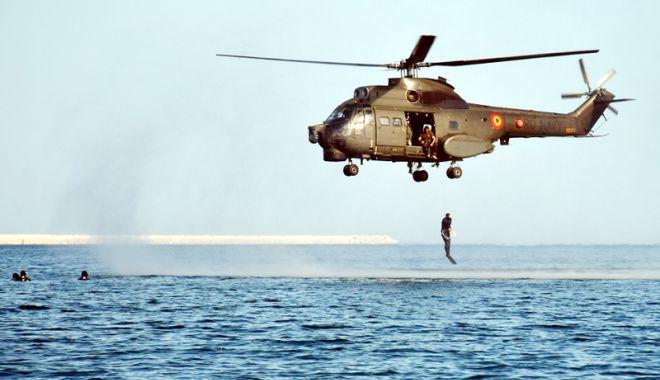 Foto: Operaţii speciale! Oamenii care au privilegiul să vadă marea din adâncuri