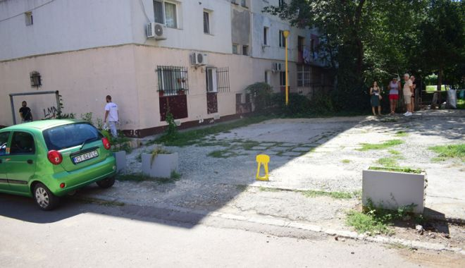 Scandal între vecini pe locurile de parcare!