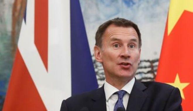 Foto: Scandalul Huawei. Marea Britanie, atentă la ce spun Statele Unite