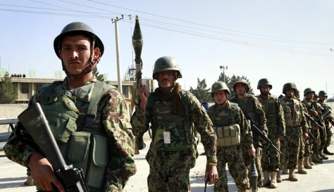 """Foto: Scandal în SUA pe subiectul uniformelor de camuflaj """"frumoase"""""""