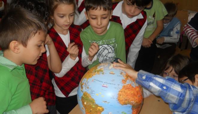 """Foto: Cum au sărbătorit Ziua Pământului elevii de la Şcoala """"Dimitrie Cantemir"""""""