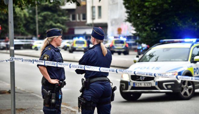 Foto: Scene ireale în Suedia. O maşină a intrat într-un grup de peste 100 de persoane