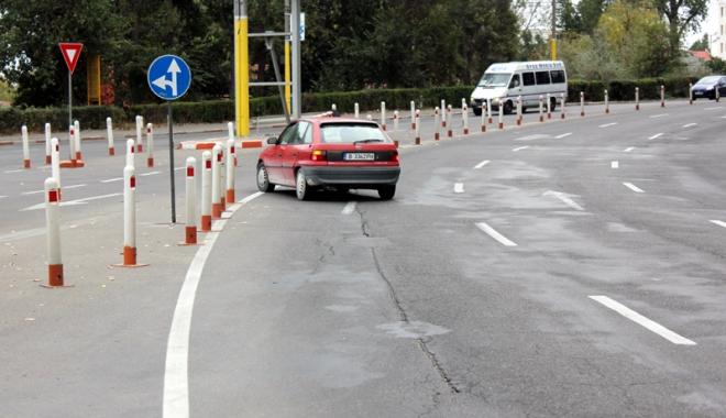 Foto: Schimb�ri  �n traficul  din sta�iunea Mamaia