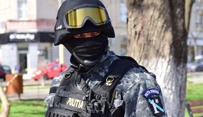 """Foto: Schimbări la vârful Poliției Constanța. """"Mascații"""" au un nou șef"""