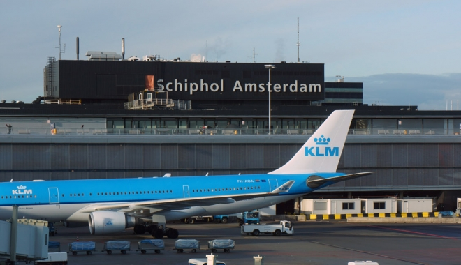 Foto: Aeroportul din Amsterdam a fost parțial evacuat după o alertă cu bombă