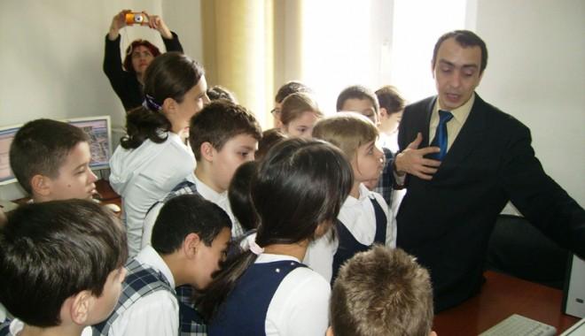 Foto: Elevii au aflat utilitatea apelului 112