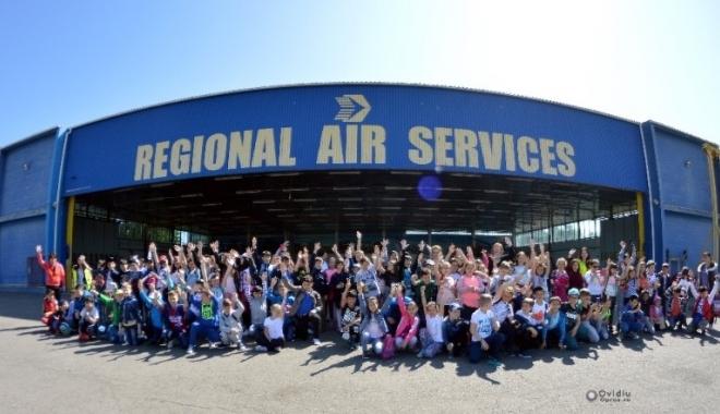 Foto: Şcoala Altfel! Mii de elevi constănţeni în vizită la Aeroportul Tuzla