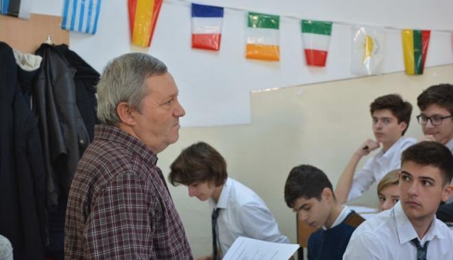 """Foto: Şcoală de afaceri  la Liceul """"Ovidius"""""""