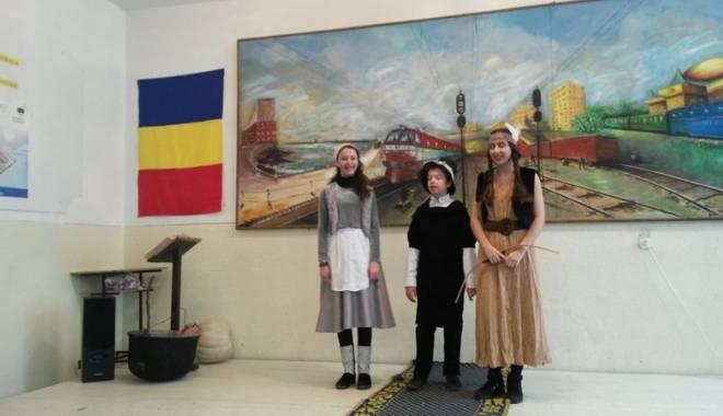 """Foto: Schimb de idei  în limba engleză,  la Şcoala """"Marin Sorescu"""""""