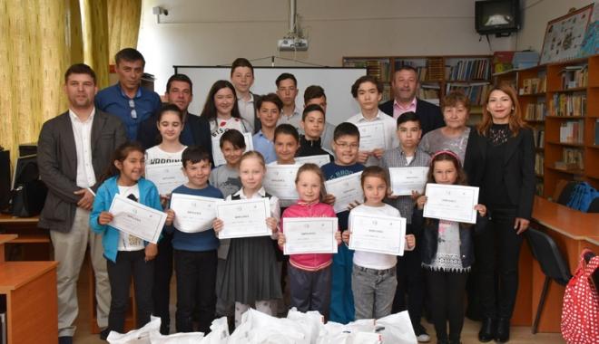 Ziua Limbii Tătare, sărbătorită de elevii din Tuzla - scoalatuzla-1494154258.jpg