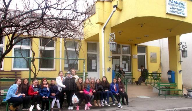 Foto: Rezultatul implicării elevilor constănţeni în acţiuni comunitare