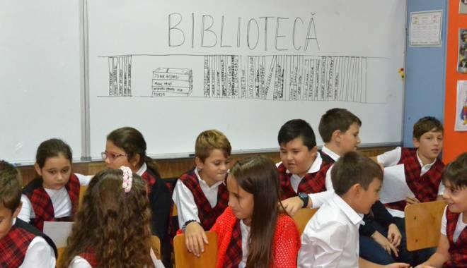 Şcolarii pot învăţa chiar… altfel, oriunde şi oricând - scolarii2-1444920943.jpg