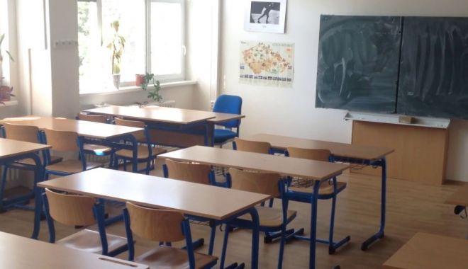 Foto: Se închid şcolile dacă se declară epidemie de gripă?