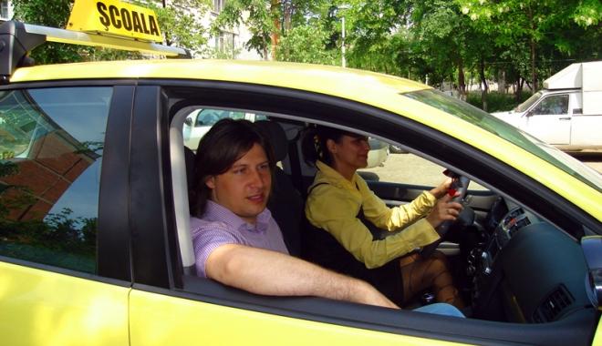 """Foto: Reguli noi pentru şcolile de şoferi. """"Să vedem cine va da banii!"""""""