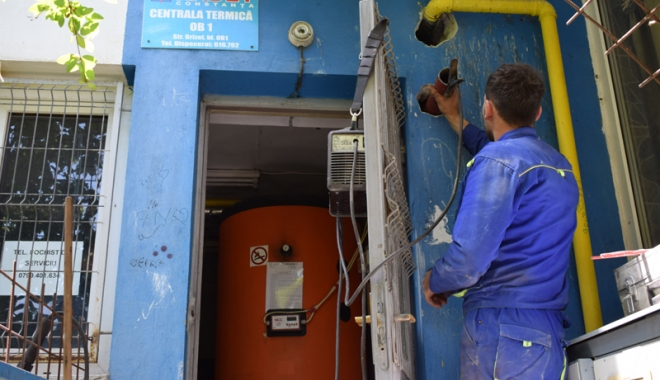 Scandal uriaş într-un bloc din Poarta 6. RADET le-a oprit centrala termică şi îi dă în judecată pe locatari