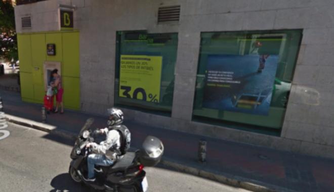 Foto: Luare de ostatici la Madrid - un bărbat înarmat a vrut să jefuiască o bancă. Suspectul, ARESTAT