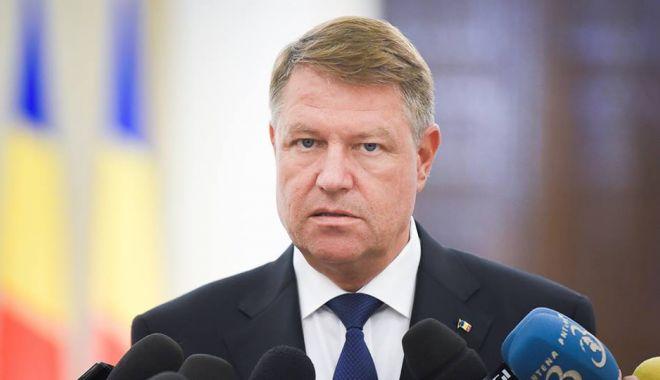 Foto: Klaus Iohannis face declaraţii de presă, la Bruxelles, după Summitul NATO