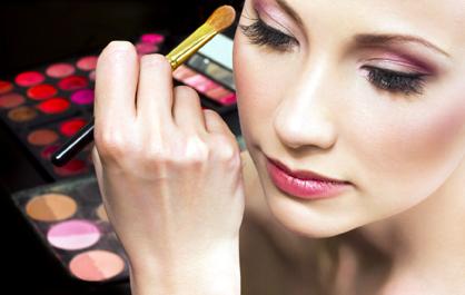 Constănţenii sunt aşteptaţi la prima ediţie a SEB - Salon Expoziţional Beauty - sebestetique-1369231565.jpg