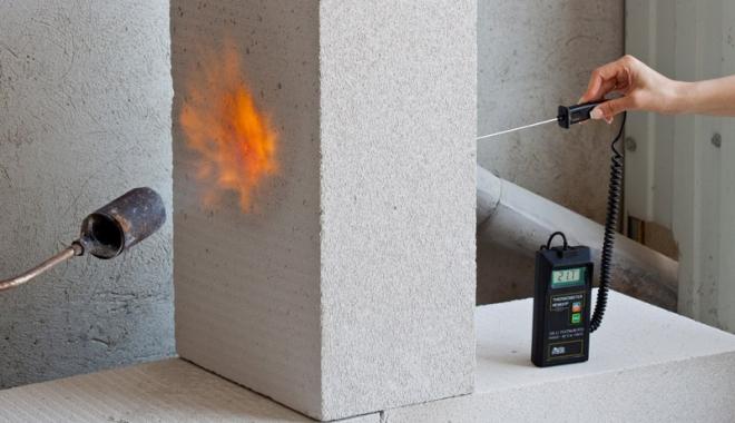 Foto: Securitate la incendiu - construcţii fără risc