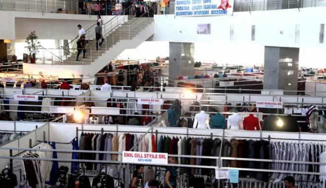 Foto: Se deschide Târgul Naţional de Îmbrăcăminte şi Încălţăminte TINIMTEX, ediţia de iarnă