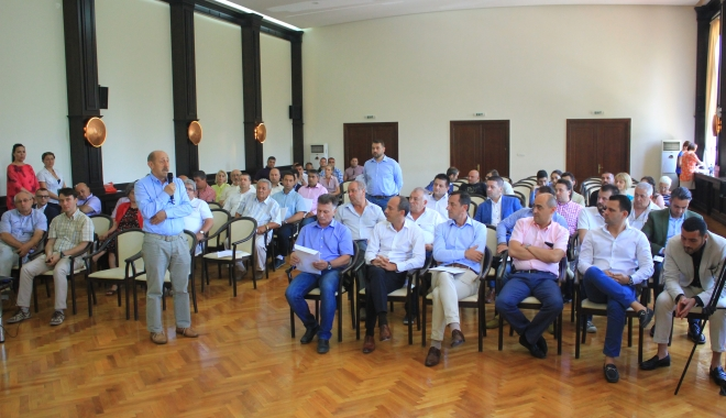 Foto: Consiliul Jude�ean Constan�a �i angajeaz� avoca�i. Muhscin�, Armeanu �i Grecu, �n prima linie