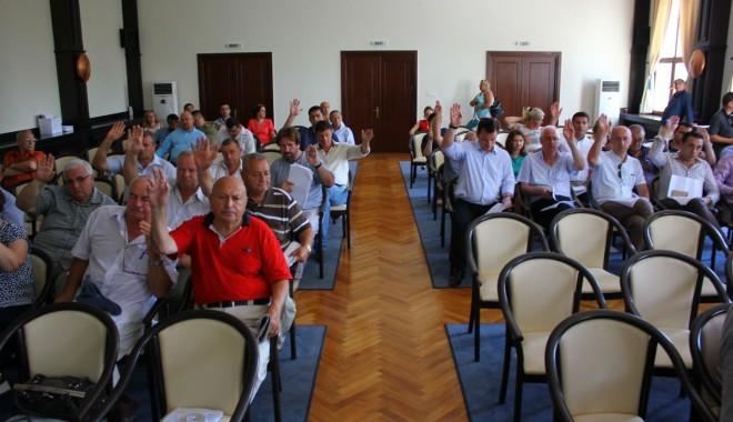 Foto: Consilierii judeţeni se reunesc în şedinţă la ora 12.00