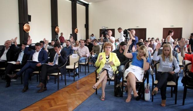 Consiliul Local Constanţa, parte civilă într-un dosar cu Radu Mazăre. Miza, 4 milioane euro - sedintaconsiliullocal18-1472831610.jpg