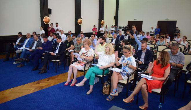 Foto: Consilierii se reunesc în ședință. Câți bani vor primi cluburile sportive de la bugetul Constanței