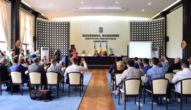 """Foto: Făgădău """"sparge"""" bugetul Constanţei pentru... sport. 13 cluburi cer bani de la Consiliul Local"""
