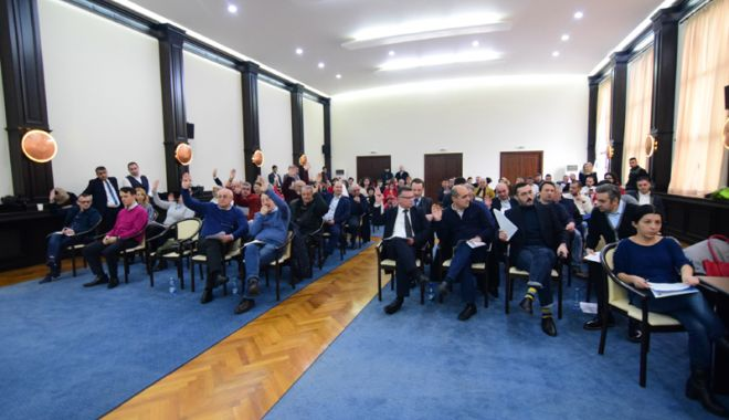 Foto: Ședință solemnă la CJC pentru susținerea Declarației  de Unire  cu Republica Moldova