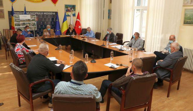 Foto: Consilierii locali, vot favorabil pentru reabilitarea Piațetei Decebal din Medgidia