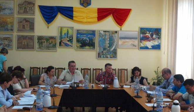 Foto: Consilierii din Medgidia, convocaţi la şedinţă