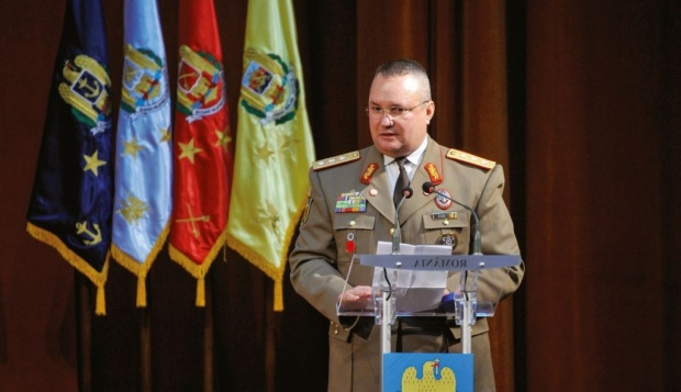 Foto: Ministrul Apărării: Nu-i voi prelungi mandatul lui Nicolae Ciucă la şefia Statului Major