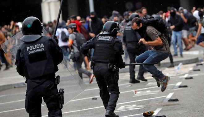 Foto: Șeful guvernului regional catalan cere încetarea imediată a violențelor