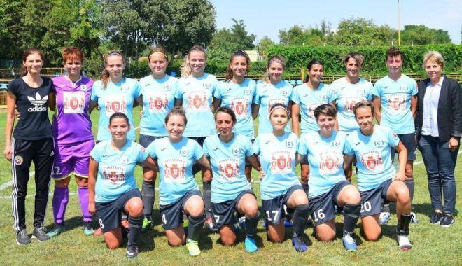 Foto: Fotbalistele Selenei, susținute de Niculina Radu și Diana Gidu