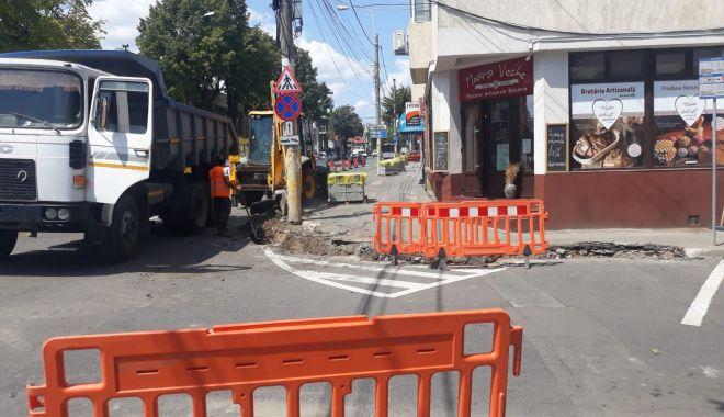 Foto: Se lucrează la reabilitarea infrastructurii stradale din oraș